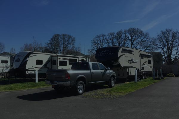Rates & Reservations at Knox Butte RV Park in Albany, Oregon